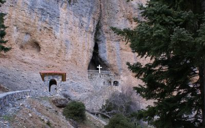 daphnes-hotel-monasteries-churches-panagia-tarsos-1